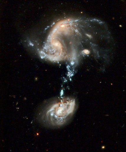 Arp 194 and its cosmic fountain